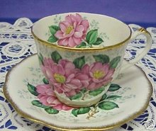 QUEEN ANNE FINE CHINA TEA CUP AND SAUCER