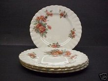 VINTAGE ROYAL ALBERT SET OF 4 PLATES