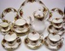 ROYAL ALBERT CHINA COFFE SET - OLD COUNTRY