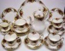 ROYAL ALBERT CHINA COFFE SET - OLD COUNTRY