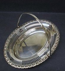 LOVELY ENGLISH SILVERPLATED BASKET