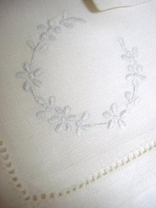 ANTIQUE LINEN & EMBROIDERY FINE NAPKINS