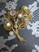 Lovely Rhinestone BROOCH - PIN