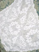 LOVELY Antique FILLET LACE CENTERPIECE
