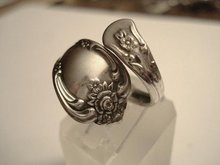 LOVELY ONEIDA UNIQUE SILVER SPOON RING