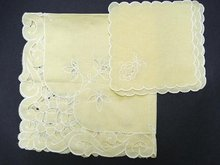 VNTG.TEA TABLECLOTH & 4 NAPKINS CUTWORK and EMBROIDERY