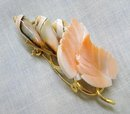 CHARMING SHELL / CORAL VINTAGE BROOCH