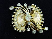 OUTSTANDING KRAMER of NEW YORK BROOCH-PIN
