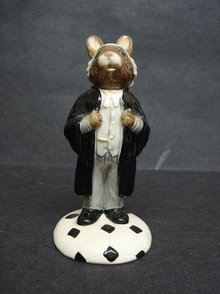ROYAL DOULTON LAWYER BUNNYKINS - DB 214