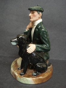ROYAL DOULTON  - THE GAMEKEEPER - HN2879