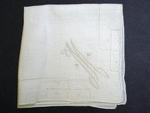 WHITE HANKIE EMBROIDERY - MONOGRAM M
