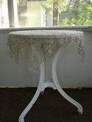 VINTAGE LACE TEA TABLECLOTH - TATTING