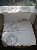 AMAZING CUTWORK&EMBROIDERY TABLECLOTH