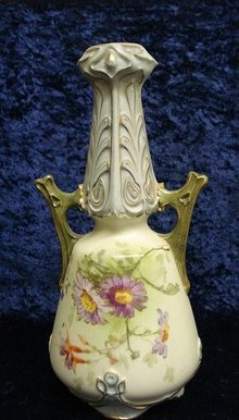 VICTORIAN  ROYAL LICHTENSTEIN VASE