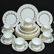 ELEGANT FOLEY CHINA SET - GOLDEN REGENCY