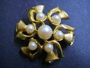 LOVELY GOLD TONE BROOCH-THISTLE BLOSSOMS
