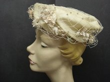 LOVELY 1940's  FLORAL LADIES HAT