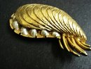 SIGNED BOUCHER BROOCH - GOLDEN OYSTER
