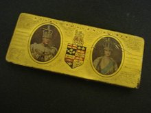 ANTIQUE 1939 ROYAL SOUVENIR TIN BOX