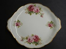 ROYAL ALBERT AMERICAN BEAUTY CAKE PLATTER