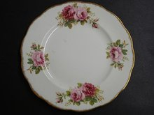 ROYAL ALBERT AMERICAN BEAUTY 8 1/2 PLATE #8