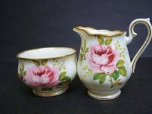 ROYAL ALBERT CREAM/SUGAR AMERICAN BEAUTY