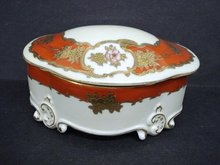 GORGEOUS - PORCELAIN DRESSER - JEWELRY BOX