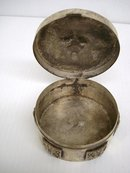 OLD SILVER TONE ROUND TOBACCO BOX