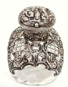 MUSEUM QUALITY VICTORIAN PERFUME BOTTLE