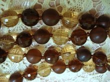 PRETTY LUCITE HONEY/BROWN BEADS-NECKLACE