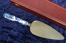 CROWN DERBY CAKE/PIE SERVER - BLUE MIKADO