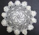 VINTAGE  LACE DOILY - FIGURAL WHITE ROSES