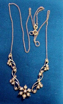 Vict. Gold & Seed Pearl  Necklace Lavaliere
