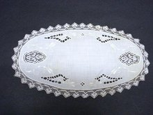 FINE VICTORIAN STYLE HAND MADE OVAL DOILY