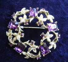 BROOCH PURPLE RHINESTONE ROUND  LARGE