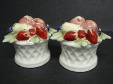 Wonderful Salt and Pepper Shakers Figural Fruit