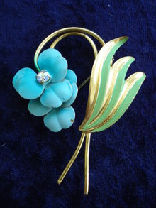 Vintage Brooch Gold/Blue Enamel Broach