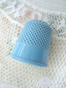 BLUE CELLULOID THIMBLE