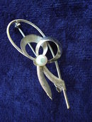 Elegant Vintage Brooch Gold Filled Elegant Bow  Art Deco White Gold