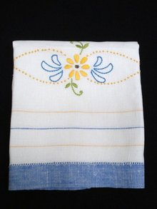 Fine Linen TOWEL - Floral Embroidery
