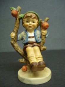 Beautiful Vintage Hummel Figurine APPLE TREE BOY