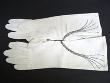 BEADED OPERA GLOVES by CRESCENDOE