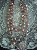 VINTAGE BEAD NECKLACE 3 STRAND