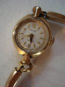 GRUEN LADIES WRISTWATCH - GOLD - VINTAGE