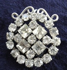 Wonderful Vintage Brooch and or Pendant Crystal Clear