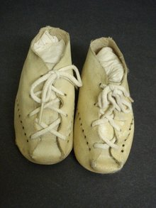 Antique Tiny SHOES Adorable