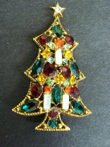 Christmas Tree Brooch Beautiful Jewelled