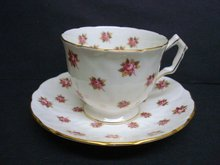 Very Pretty  Aynsley Teacup Set    Cup and Saucer