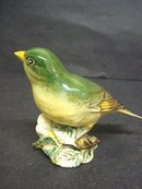 BESWICK FIGURINE GREEN FINCH #2105