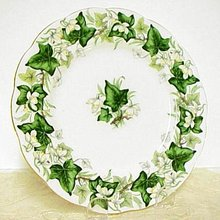 Royal Albert Dinner Plate - Ivy Lea